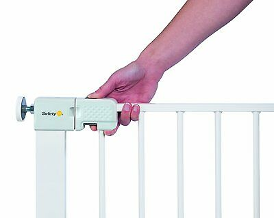 Safety 1st Safety child baby Gate/ Easy Fit. No drilling required. Pressure Fit