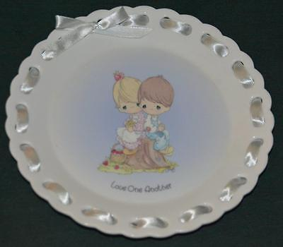 ENESCO/Precious Moments Lt Ed Plate: LOVE ONE ANOTHER