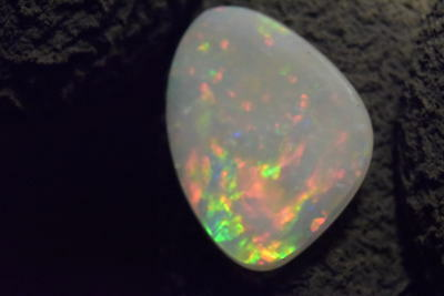 Investment Australian Coober pedy Solid Natural Opal 2.0 Carat *MUST SEE VIDEO*