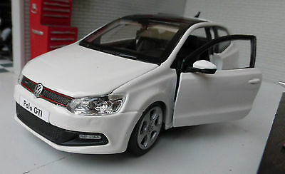 G LGB 1:24 Scale VW Polo GTI Mark 5 V Mk5 M5 21059 White Burago Detailed Model