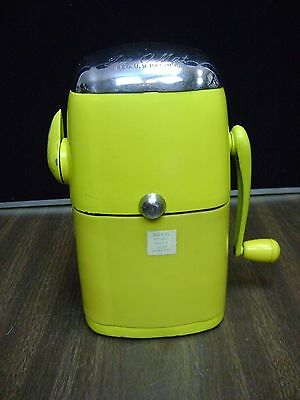 Vintage Yellow Ice O Mat Vogue Model Rival #455