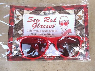 Sew Red Glasses Color Value Finder. Perfect for Quilters ,Artists,  Florists NEW