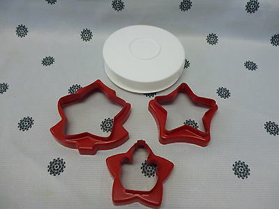 Tupperware Christmas Cookie Biscuit Cutters set of 3 Tree Star Snowman New!