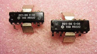 221-98 / ZENITH / IC  / 2 PIECES  (qzty)