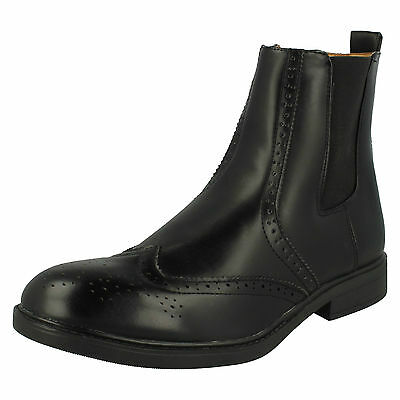 Wholesale Mens Boots 12 Pairs Sizes 7-12  A3050
