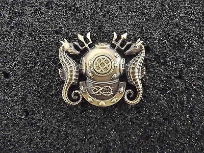 *(A23-028) Navy  Diving Officer Badge