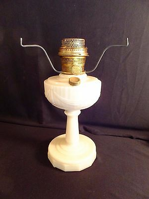 ANTIQUE ALADDIN LINCOLN DRAPE ALACITE LAMP BASE Nu Type Model B Burner & Tri Pod