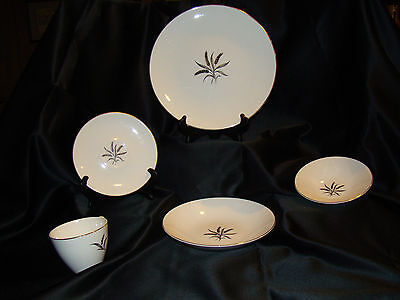 Knowles China Royal Dover 5 Piece  Place Setting Vintage