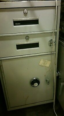 Mosler 2 drawer Bank Teller File Cabinet Safe w/combination GSA Fire Rated OPENS