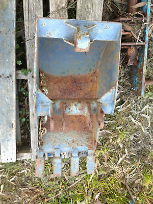 EXCAVATOR / BACK HOE / DIGGER  BUCKET WITH DIGGING TEETH 380 mm WIDE