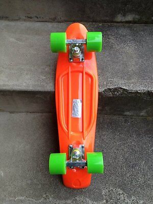 FISH Mini Cruiser Skateboard Banana Board Old School 70s Orange deck, Lime wheel