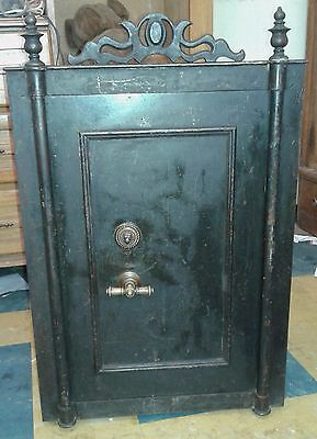 Antique Old Cast Iron Safe from Fabrik von J.H. Blecher, Hamburg. XIX Century