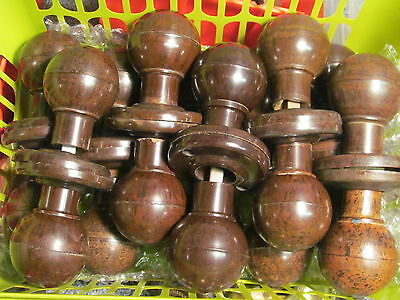 ONE PAIR of ORIGINAL  BAKELITE DOOR KNOBS / HANDLES    -BK33-
