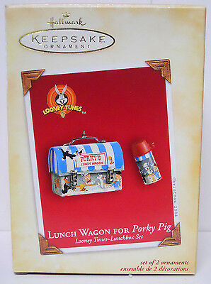 2004 Hallmark Keepsake Ornament Lunch Wagon for Porky Pig-QXI4051