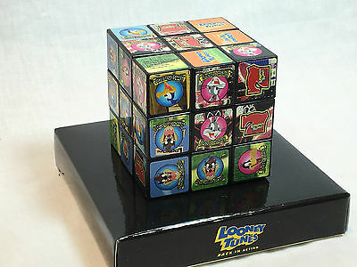 CR LOONEY TUNES BACK IN ACTION PACHINKO RUBIKS CUBE PROMO by FIELDS VERY RARE