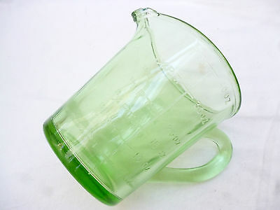ANTIQUE HEAVY DEPRESSION GREEN GLASS 2 PINT KITCHEN MEASURING JUG - 15cm high