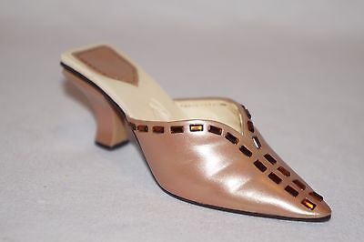 "Willitts Just The Right Shoe ""RADIANCE""  #25344 Collectible 2002 Raine NIB"