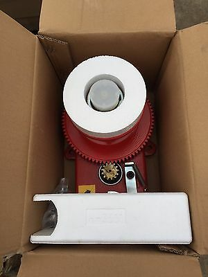 Beesley International Ceiling Mount Winch 3000 lb. Capacity - Model # 5500