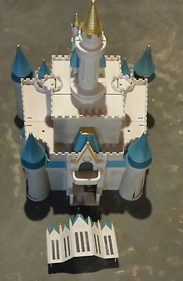 Disney Cinderella Castle Monorail Playset Magic Kingdom Nice Condition
