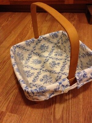 Longaberger Retired 1994 Pie Basket with Liner and Protector - EUC