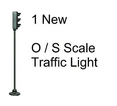 1 New O or S Scale Model Railroad Metal Traffic Light - W/ Green LED - 3v