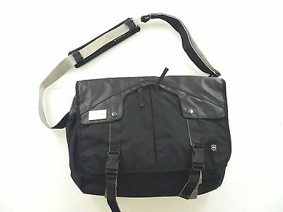 "New Victorinox Swiss Army Deluxe 17"" Laptop Messenger - Black w/ logo #31388501"