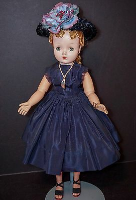 "CLEARANCE SALE Vintage Madame Alexander 21"" Cissy Doll WITH Tagged Outfit"