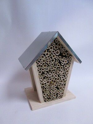 Metal Roofed Wooden Garden Insect Bee Keeping House Hotel Nest Box #40L65