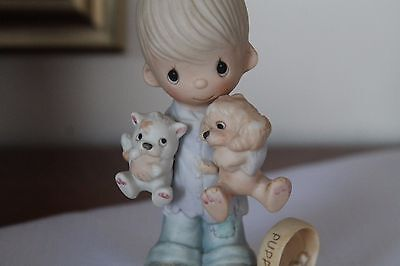 "Precious Moments Figurine ""Blessed Are The Peacemakers"" E-3107 - No Mark"