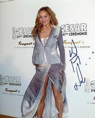 AUTOGRAPHE SUR PHOTO 20 x 25 de Julie FERRIER (signed in person)