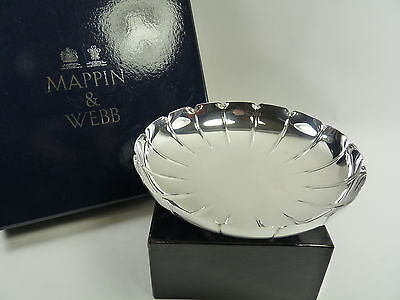 MAPPIN & WEBB Silver Plate - Scalloped Footed Bowl / Dish - 8""