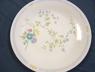 4 Liling china rapture dinner plates.