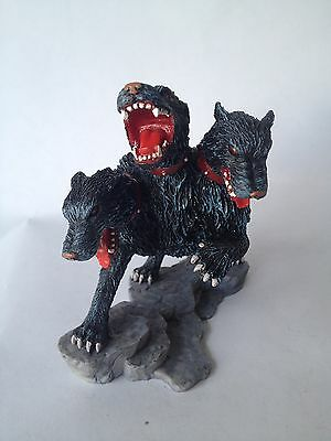Cerberus Three Headed Guard Dog - Beasts and Being Figure Hachette
