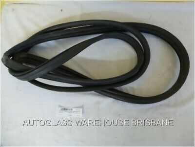 Toyota Landcruiser 80 Series - 4Wd Wagon 3/1990 1/1998 - Front Windscreen Rubber