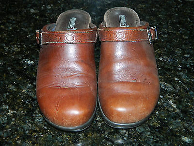 """EXCLUSIVE """"MINNETONKA"""" Women's Sz 6 M LEATHER Western look Mules in EXcellet Con"""