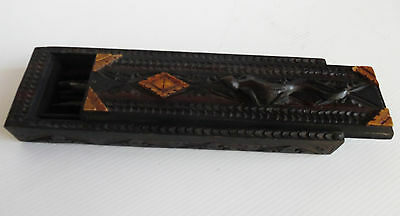 Set of 8 Balinese Chop Sticks In Decorative Hand Carved Box with Gecko