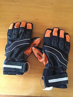 Loaded sliding skating gloves