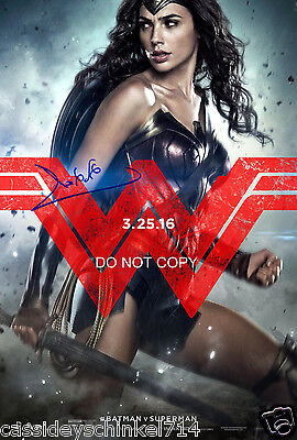 Batman v Superman Gal Gadot Wonder Woman reprint signed 12x18 poster photo RP