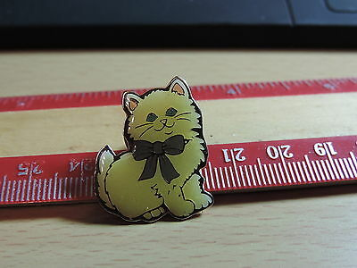 Little Fluffy Kitten Lapel Hat Pin 19E