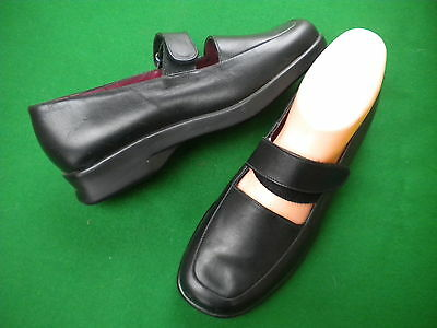 Ladies Near New  Hush Puppies Black  Leather Low Wedge Heel Shoes Size 6.5