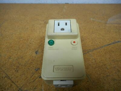 TANDY 26-1395A Twin Outlet Power Protector 120VAC 60Hz 10A 1200W 500V