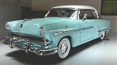 LGB G 1:24 Scale Ford Crestline Victoria 1953 Mint White Diecast Detailed Model