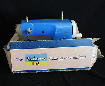 A vintage the vulcan childs sewing machine (ID:000009)