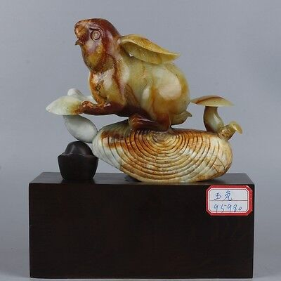 Exquisite Chinese natural jade carving rabbit with base statue