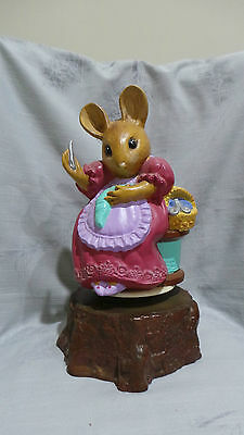 Sewing Mouse Music Box