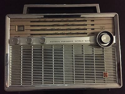 Vintage National Panasonic 4 Band Radio  T-100D World Radio