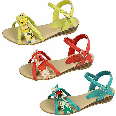 Wholesale Girls Casual Sandals 16 Pairs Sizes 10-2  H1062