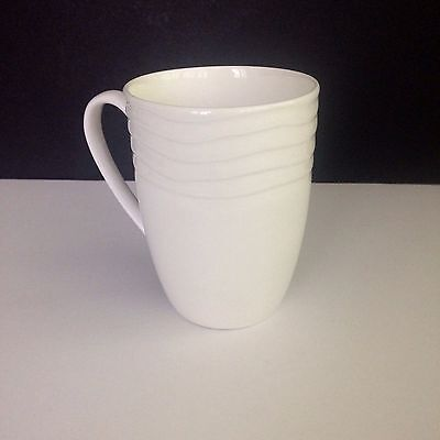 Gorham Bone China Kahala Embossed Wavy Lines White -14 Oz Mug EUC