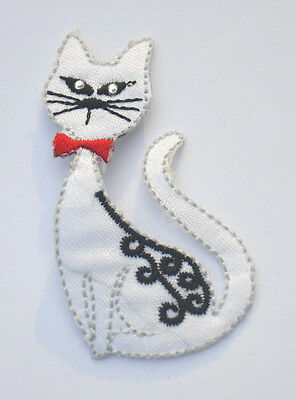 CAT KITTEN DIAMONTE EYES    Embroidered Iron Sew On Cloth Patch Badge  APPLIQUE