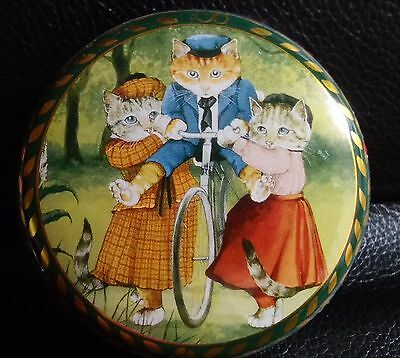 BENTLEY'S 1990 Susan Herbert Cats Bicycle Tin Box Container -SEALED